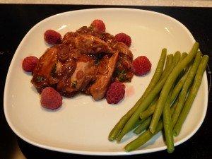 Poulet aux framboises sauce rouge dans Volailles P1030583-300x225